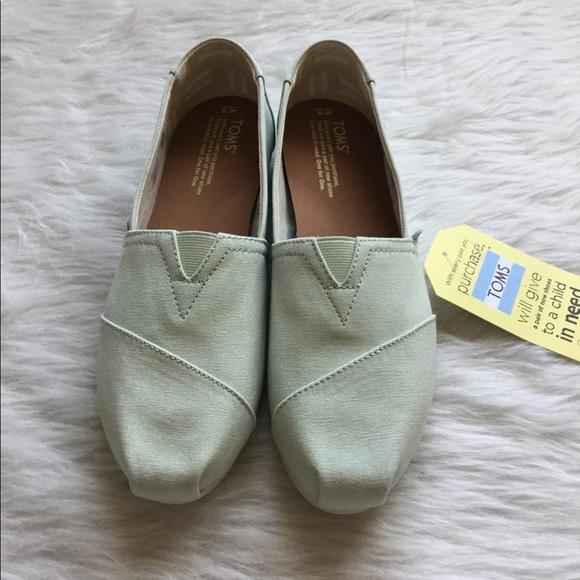 1dd8bd32803e32 Toms shoes nib mint canvas womens classics poshmark jpg 580x580 Mint toms